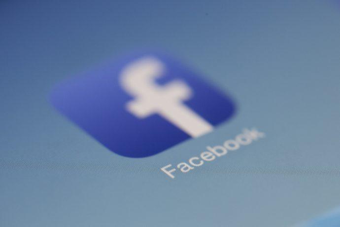 Facebook multado em cinco mil milhões de dólares pelo escândalo Cambridge Analytica
